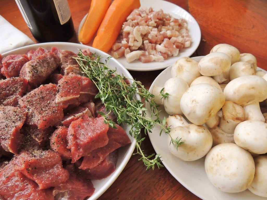 Estofado de Res Bourguignon - The Petit Gourmet©