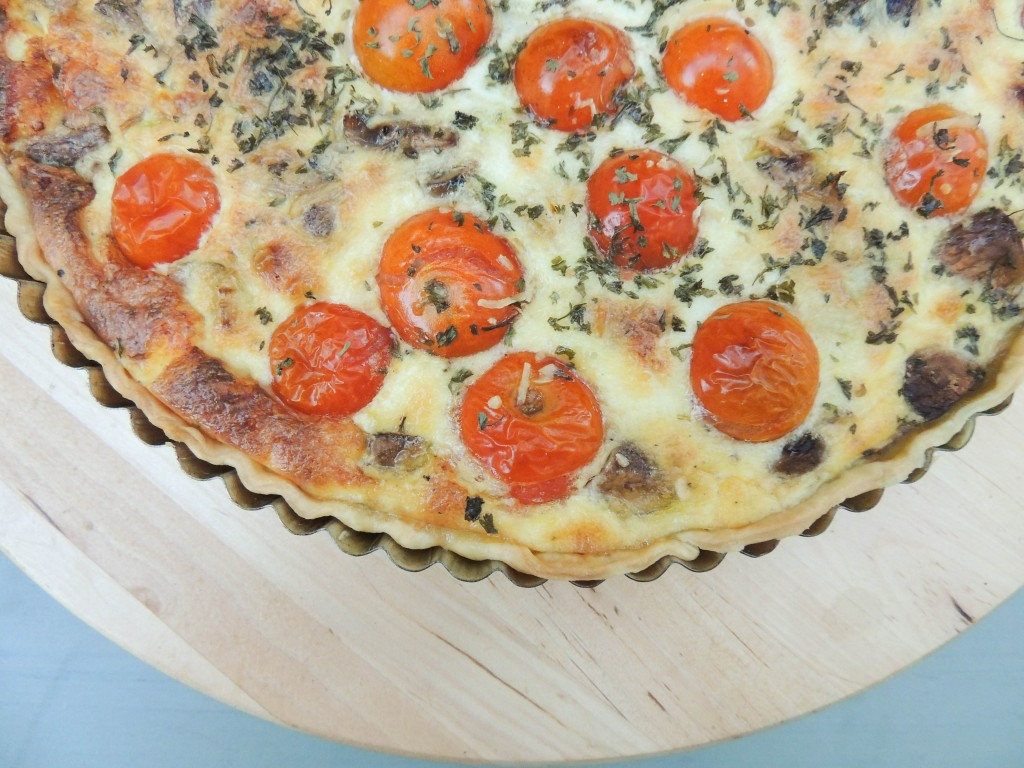 Leek, mushrooms and tomatoes quiche