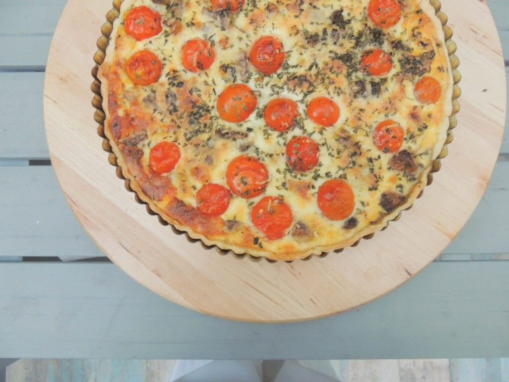 Leek, mushrooms and tomatoes quiche - The Petit Gourmet