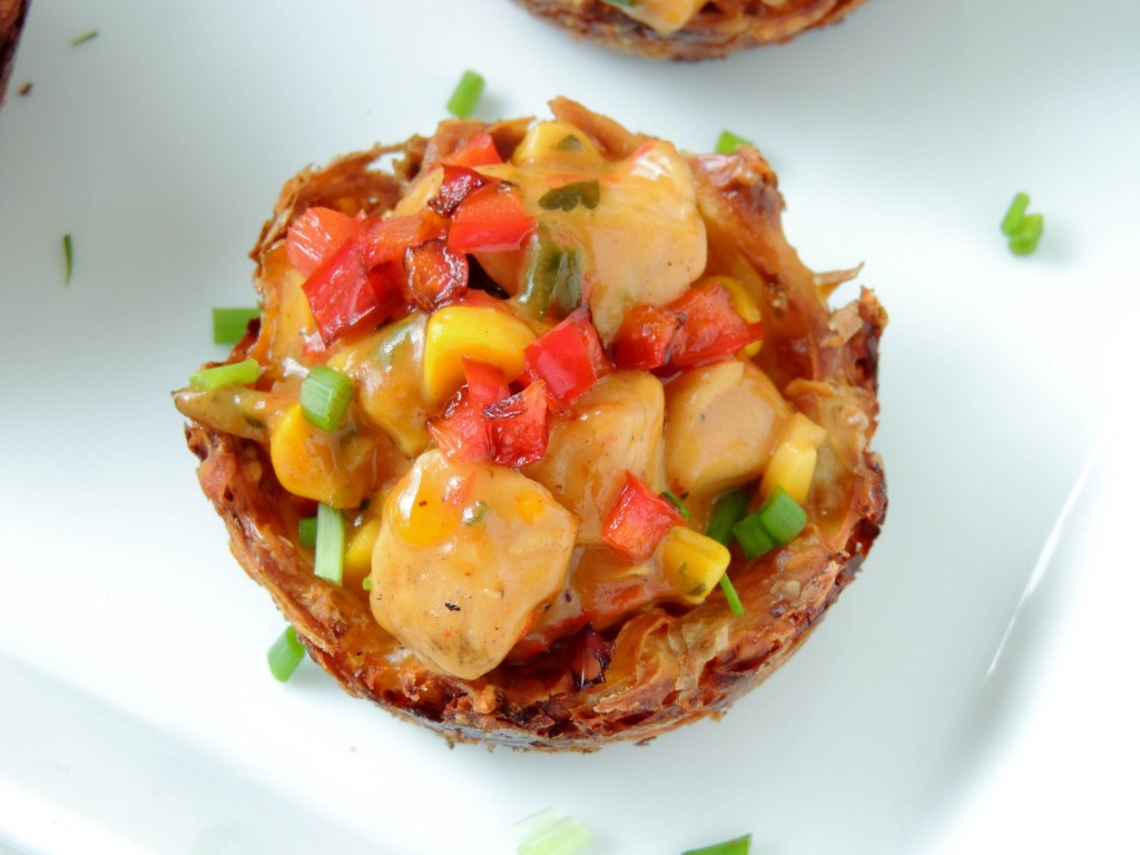 Creamy chicken in potato cheesy baskets - The Petit Gourmet