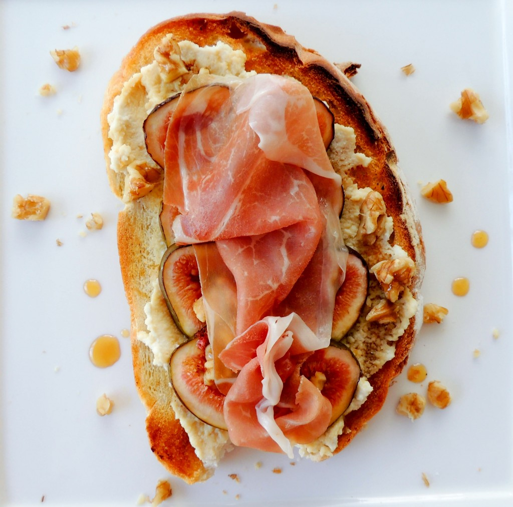 Ricotta, honey, figs and Prosciutto Tartine - The Petit Gourmet