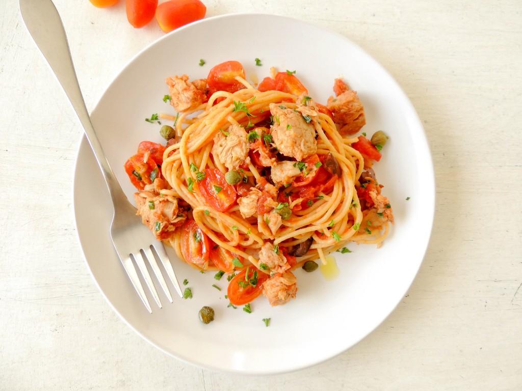 Tomatoes and tuna pasta sauce – The Petit Gourmet