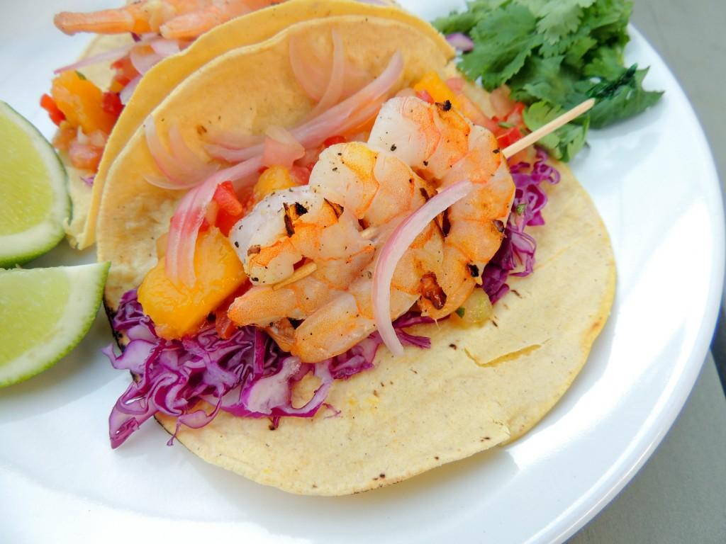 Shrimp tacos with mango salsa - The Petit Gourmet
