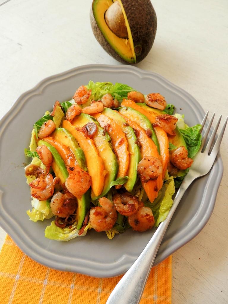 Shrimp, avocado and mango salad - The Petit Gourmet