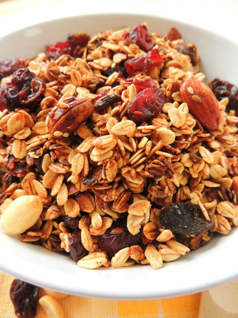 Honey Granola - The Petit Gourmet