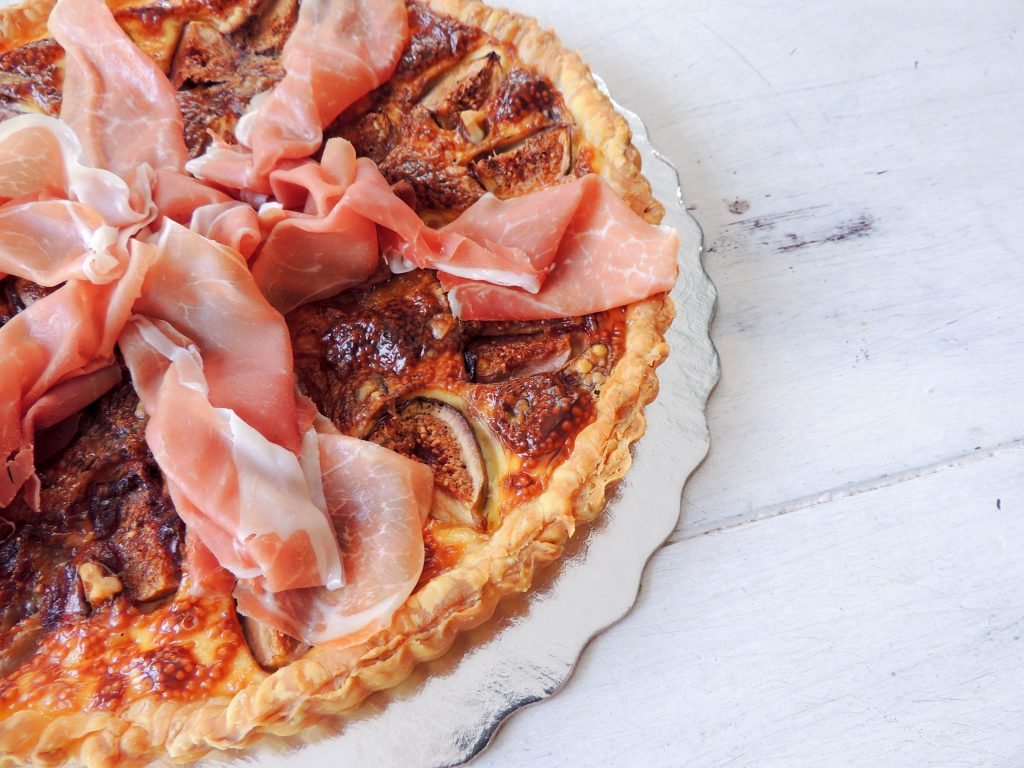 How to enjoy figs? How about pairing figs and ham in a tart!