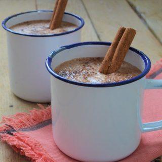 Chocolate caliente fácil (Easy spiced hot chocolate)